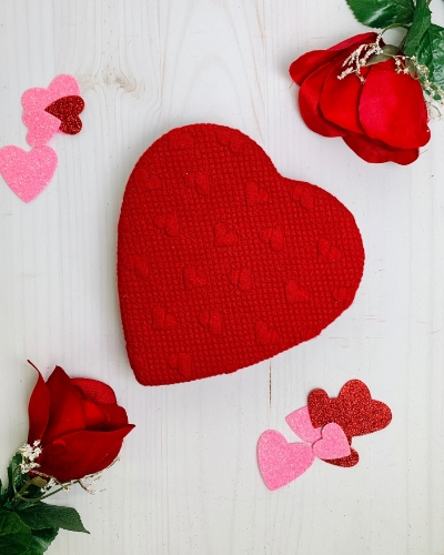 Picture of 1/2 lb Red Quilted Heart Box