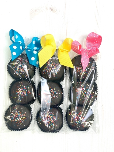 Picture of Sprinkle Oreo 3-Packs and Singles